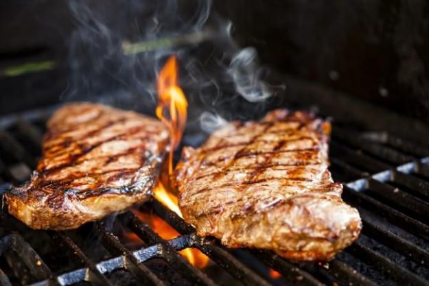 grillkurs-duesseldorf-saftige-steaks-vom-grill-miomente-1